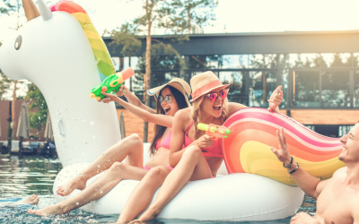 Comment organiser une pool party licorne qui déchire ?