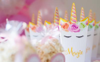 Idées de cadeaux d'invités pour une fête licorne!